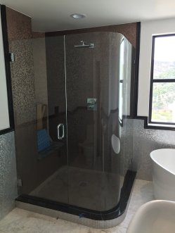 Ag Residential Shower Enclosures 07
